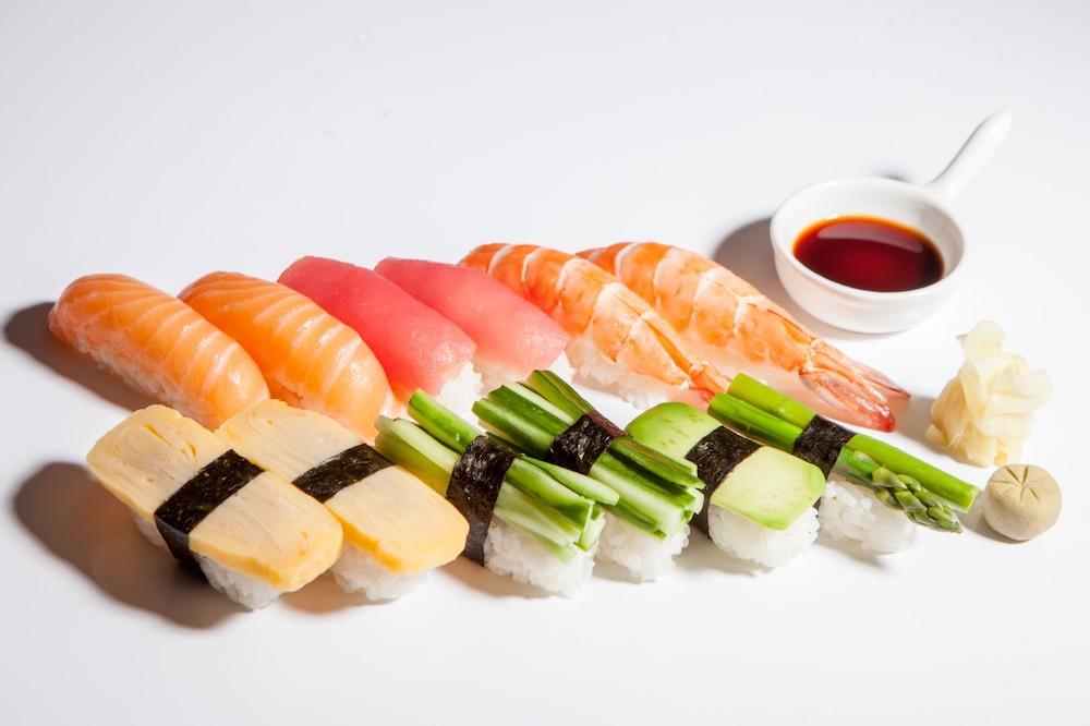 Из какой рыбы делают суши и как эту рыбу готовят