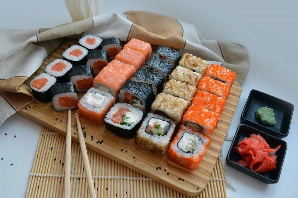 Сяке суши и ика суши